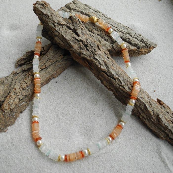 mondstein-karneol-zuchtperlen-edelstein-Halskette-kleinerheinperle-basel