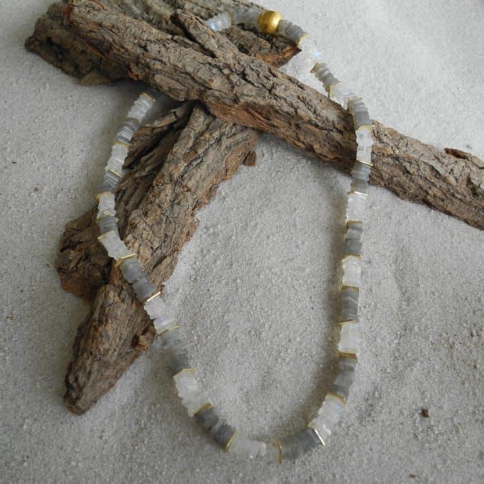mondstein-quarz-edelstein-Halskette-kleinerheinperle-basel